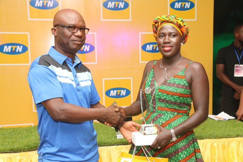 Floria Hurtubise [right] receiving her prize